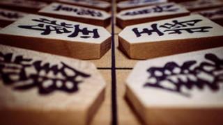 世界「戦略ゲームにハマる人続々!」将棋は面白いと世界から注目!