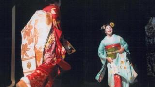 世界「日本のバトミントン」羽根つきは日本の文化