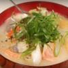 海外「ヘルシーでボリュームたっぷり!」鮭の粕汁は体の芯からあたたまる