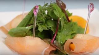 海外「簡単だし美味しそう!」柿と生ハムのオードブルは急なお客様へのおもてなし料理