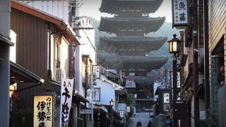 海外「自然の音が好き!」静かでとても居心地が良さそうな京都・八坂