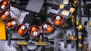 ★海外「レゴのパーツの機械仕掛けでボールを運ぶ」レゴ ボール工場がすごい!