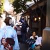 海外「日本の着物で観光出来るなんて素敵!」川越の古い町並みを着物で歩いてみた