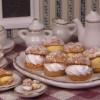 海外「お菓子にしか見えない!」ホイップ&カスタードを使った、ミニチュアシュークリーム作り