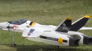 海外「これぞ夢のラジコン!」VF-1バルキリー