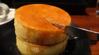 海外「日本に行って味わいたい!」カフェ『みじんこ』のホットケーキにから目が離せない!