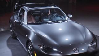 海外「クールすぎる!」Mazda MX-5 RFの登場にNYが沸いた!