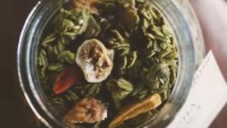 海外「シンプルで芸術的!」抹茶グラノーラの作り方に称賛!