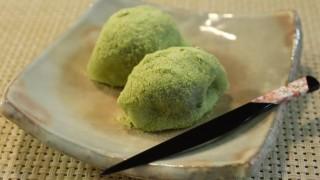 海外「春来る鶯に似たお菓子」うぐいす餅のきな粉がとても綺麗
