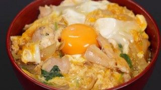 海外「玉子料理に感動!」リピしたい!親子丼のレシピ
