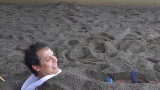 海外「地熱を利用した砂風呂が凄い!」砂むし温泉を絶賛