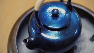 海外「銅板1枚をたたき起こす見事な技術!」燕鎚起銅器のツヤ感を絶賛