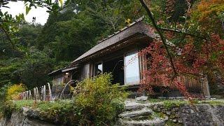 海外「山里にとけこむ古民家」祖谷・徳島の茅葺民家宿の雰囲気が絶妙!