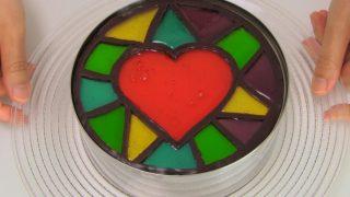 海外「アイディアが素晴らしい!」ステンドグラスレアチーズケーキに感動