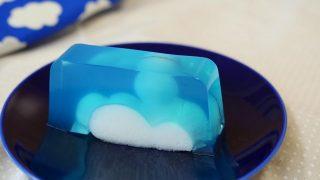 海外「ブルーハワイと淡雪羹で作るゼリー」夏の積乱雲ゼリーの作り方