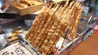 海外「錦のオススメ10品を食べ尽くす」京都・錦市場はストリートフードの宝庫
