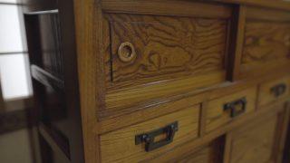 海外「長野 和家具の美しさと懐かしさに心奪われる」松本家具の組手接手の技術