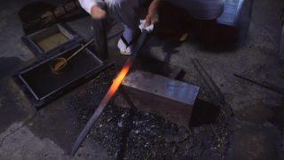 海外「800年の歴史が魅せる 美しい波紋と技術の粋」月山流 日本刀の作り方