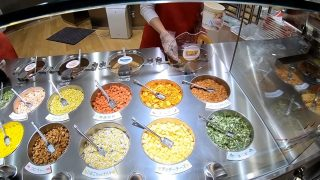 海外「大阪 カップヌードルミュージアムを楽しむ!」自分だけのカップ麺作り体験