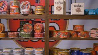 海外「大阪・道頓堀川 300以上の缶が食べられる」缶詰レストランに行ってみた