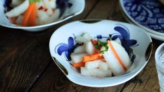 海外「季節ごとの作り置きにぴったり!」甘酢漬け10分で出来る基本の作り方