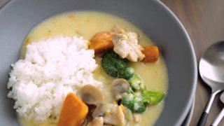 海外「ゴロゴロ野菜とマッシュルームが入った」クリームシチューの作り方